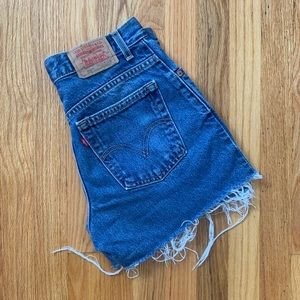 Levi high waisted denim shorts